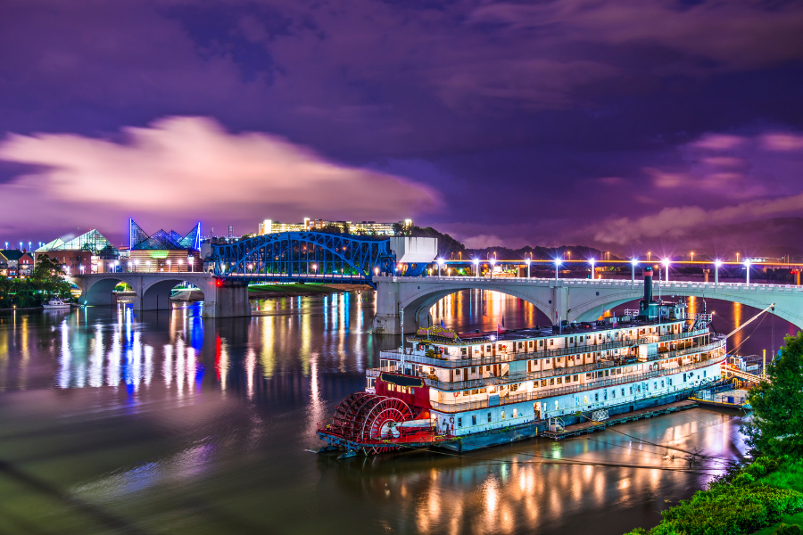 Picture of Chattanooga river and ferry boat
